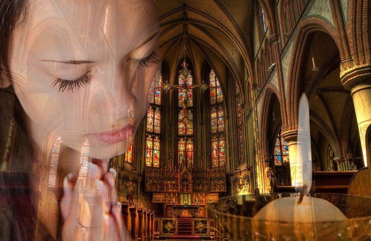 praying-church-candle