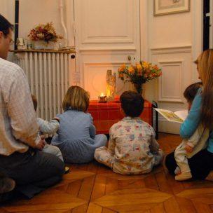 family_praying